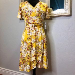 Shelby & Palmer Yellow Short sleeves Floral Dress